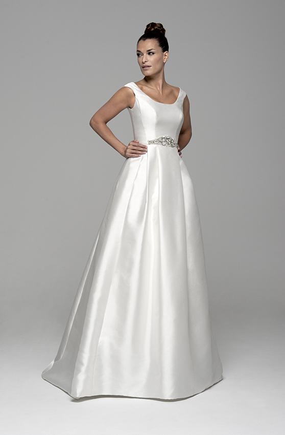 Vestidos y trajes de novia en alquiler o renta de Innovias (6/6)