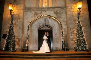 abetos-para-decorar-una-boda-en-navidad