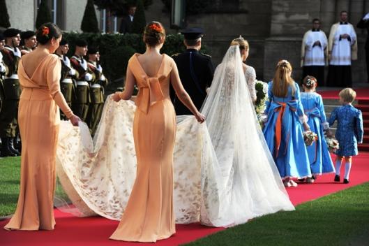 velo de novia incorporado a peinado visto en hola.com