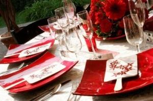 mesas en rojo