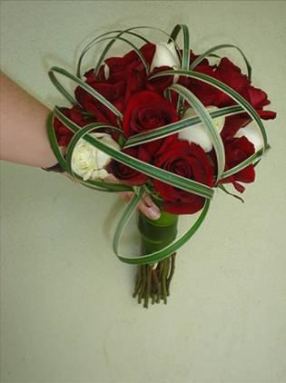 ramo1 rosas rojas y blancas