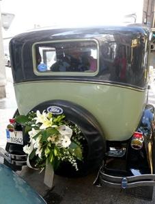 0001245_decoracion_coche_de_novios_coches_antiguos