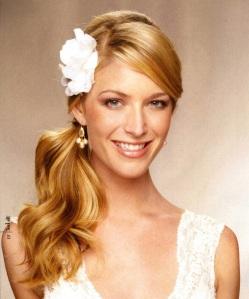 Peinado-de-novia-clásico-para-verano-2013