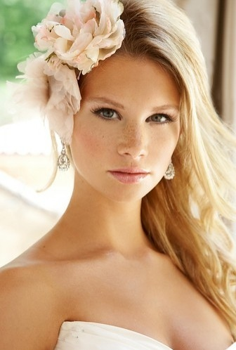 Peinados de novia 2013 por Innovias (2/6)