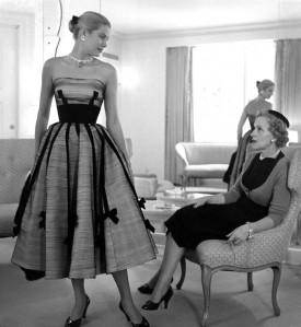 Grace-Kelly-bow-dress-940x1024