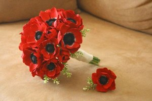 Keepsake-Blossoms-Red-Anemone