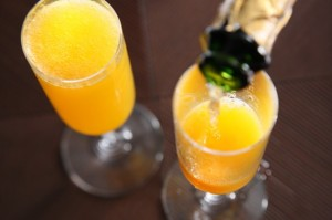 coctel-mimosa-brunch-findrural-e1370384421977