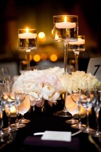 floating-candle-wedding-cetnerpiece