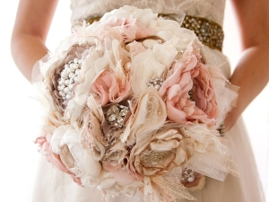 brooch-bouquet