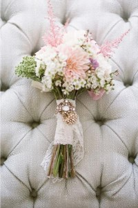 ramo de novia con camafeo