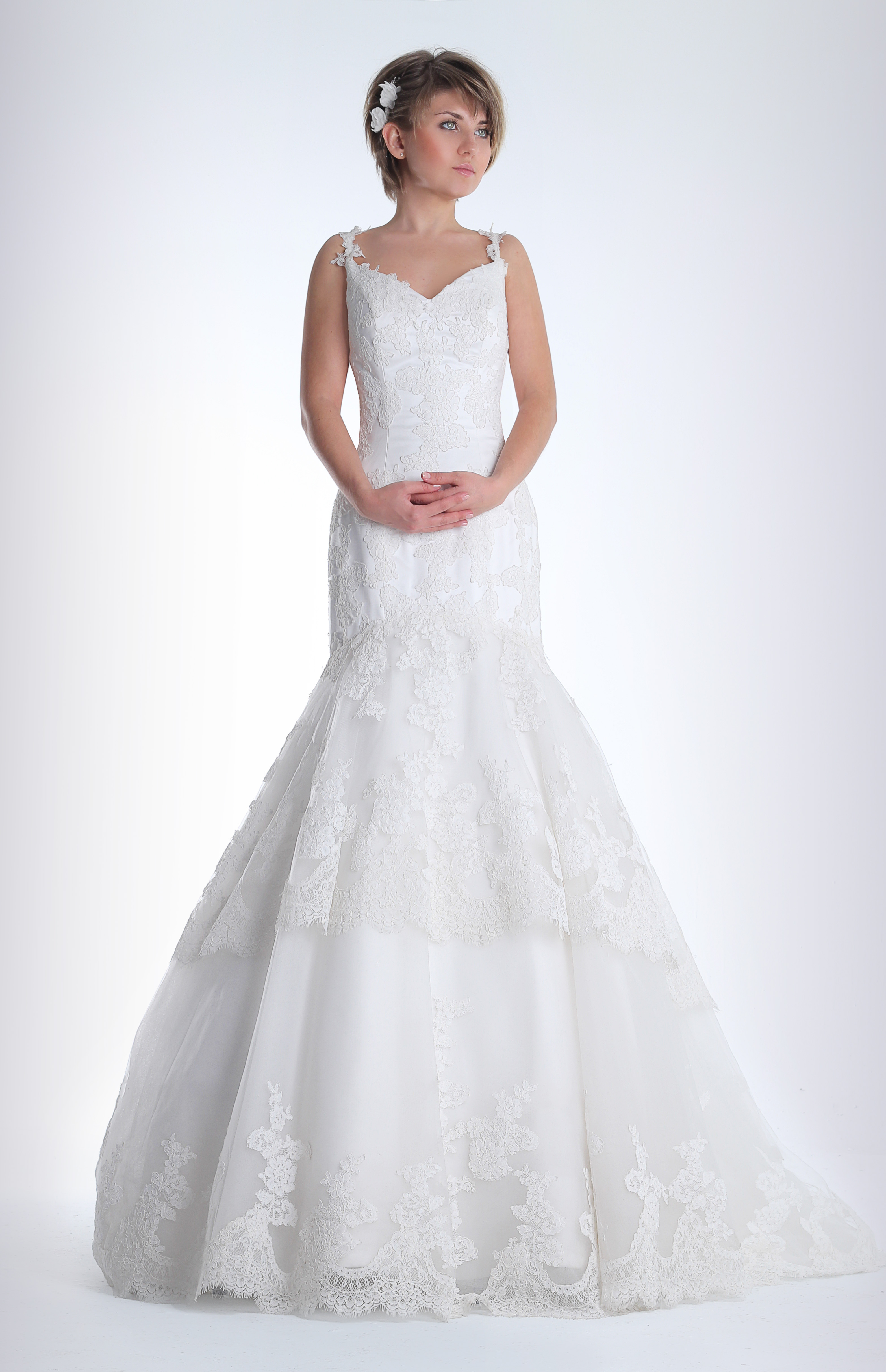 74b7758de Vestido de novia en renta o alquiler de Innovias modelo Carla puedes  consultar más imágenes de este vestido aquí