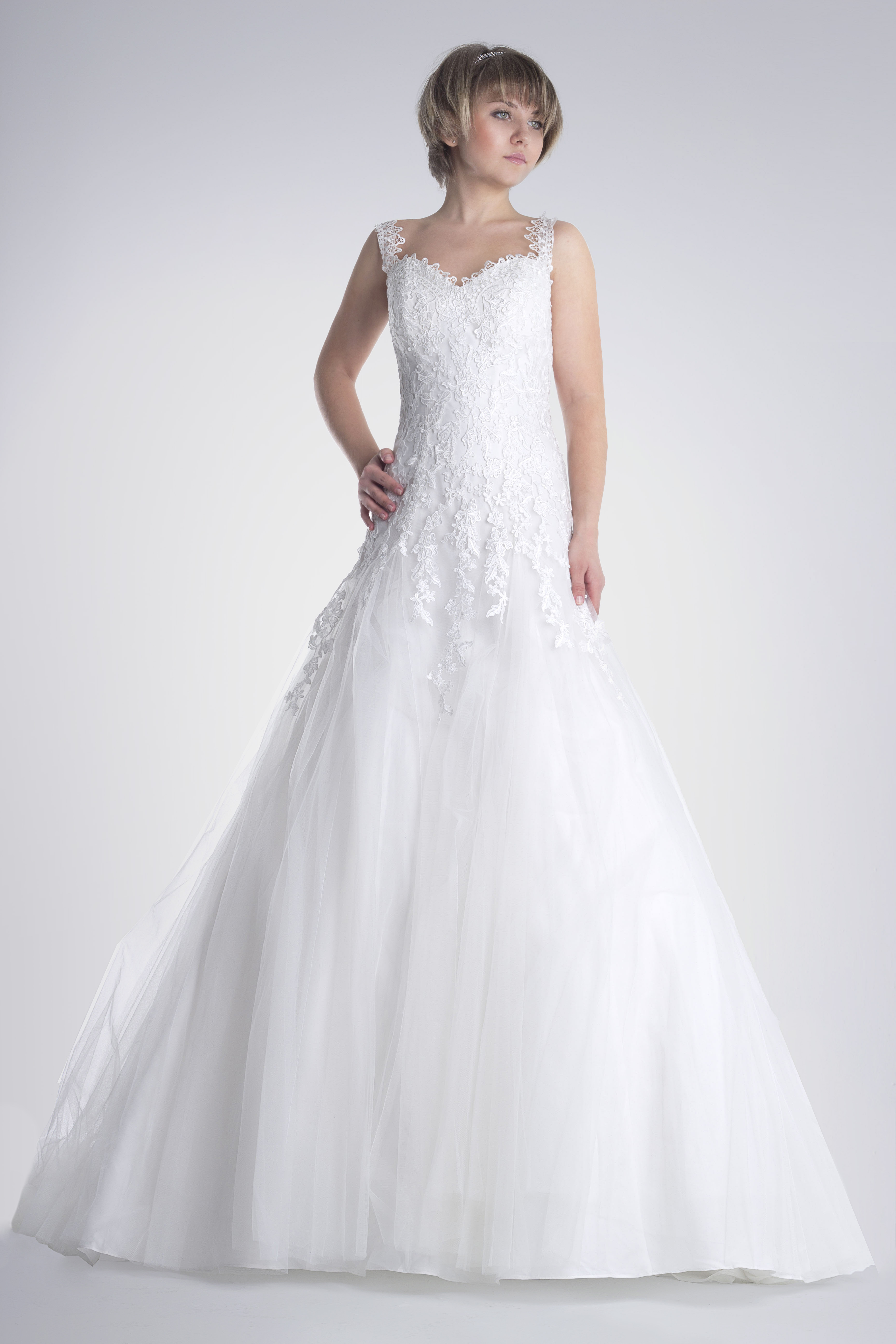 "5ee34c3a2 Celeste. ""Perteneciente al cielo"". CELESTE (1) Vestido de novia en renta o  alquiler de Innovias modelo ..."