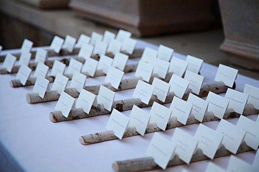 troncos para poner nombres y numeros de mesa