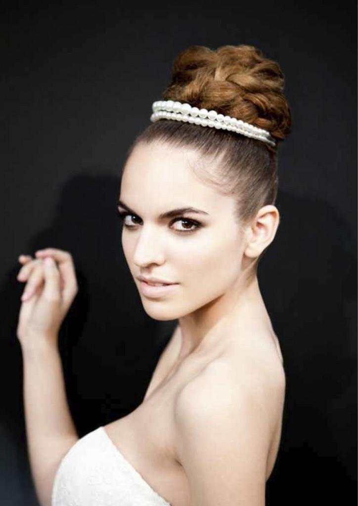 Tendencias en los peinados de novia 2014 por innovias for Recogidos altos para novias
