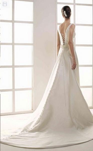 los vestidos de novia innovias son de alquiler, no de segunda mano