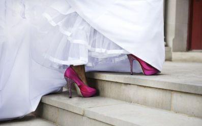 zapatos fucsia novia