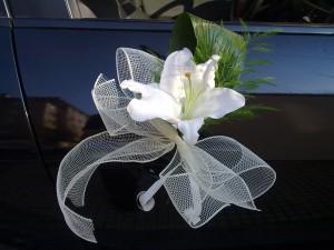 arreglo floral coche
