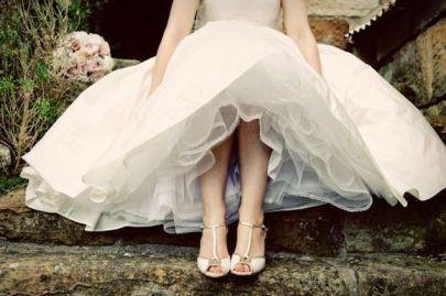 novia con zapatos de baile
