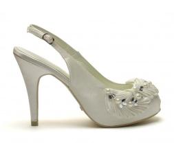zapatos-de-novia-menbur-pedreria abierto por detras