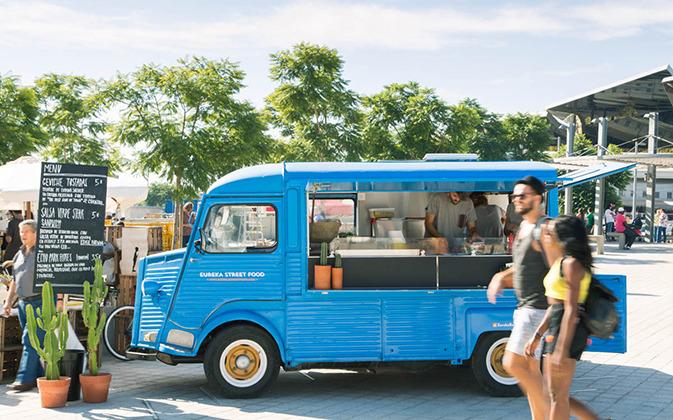 Eureka-Street-Food-Truck-Barcelona-673x420