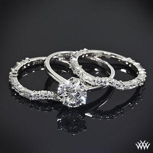 Anillos de boda y compromiso con diamantes. Imagen vía Pinterest.