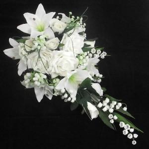 bouquet-mariee-roses-lys-et-gypsophile-