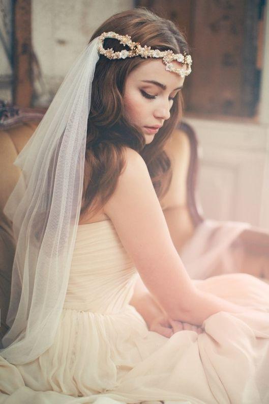 colocación de velo media tiara
