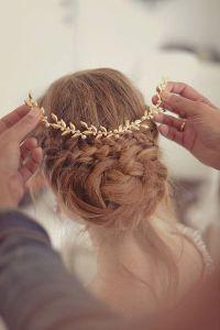 Tiara de novia en tonos dorados. Vía Pinterest.