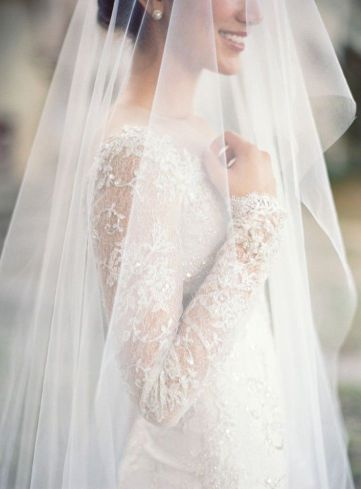 velo de novia cubriendo la cara