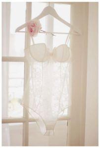 Lencería sensual de novia.