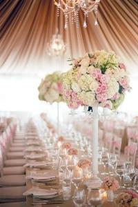 Colocación de las mesas de boda. Vía Pinterest.