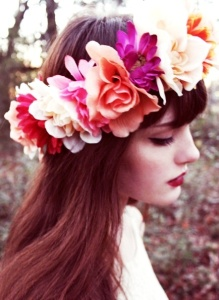 Complementos de novia para el cabello. Vía Pinterest.
