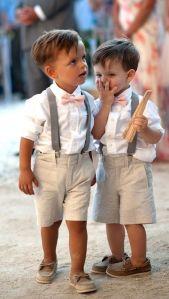 Pequeños caballeros invitados de boda. Vía Pinterest.