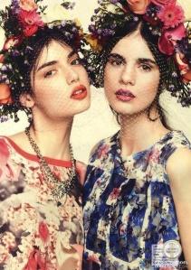 Coronas de flores para invitadas perfectas. Vía Pinterest.