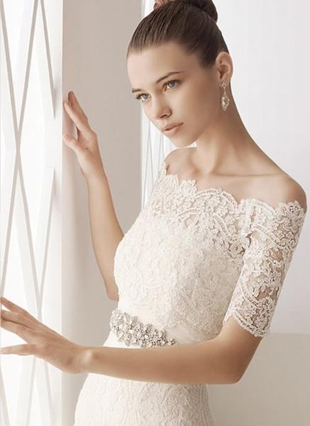 Bolero de novia modelo Melinda de Innovias en el encaje más adecuado a tu vestido de novia
