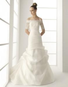 Bolero de novia modelo muselina de Innovias.