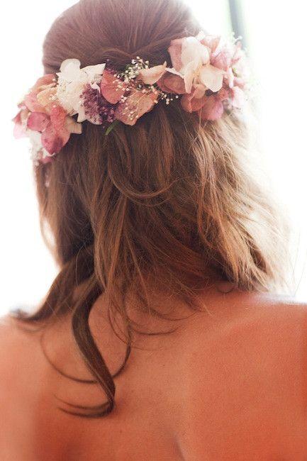 novias innovias con coronas de flores   innovias