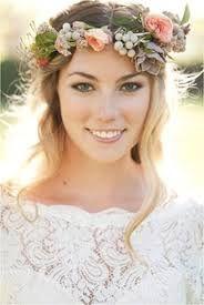 Novia con una corona de flores Innovias personalizada
