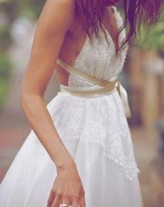 Vestido de novia hippie-chic. Vía Pinterest.