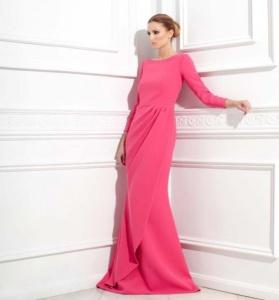 Vestido largo rosa de VMB. Imagen vía Pinterest.