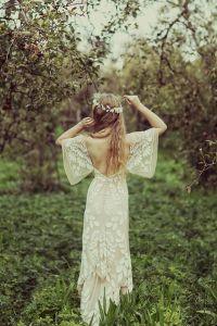 Vestido de novia vintage con escote en espalda. Vía Pinterest.