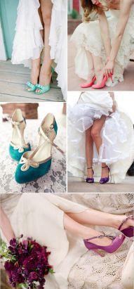 Zapatos de novia de colores variados. Vía Pinterest.