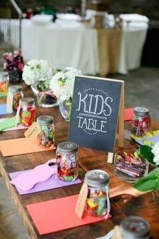 Mesa para niños. Vía Pinterest.