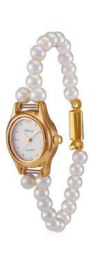 LLamativo reloj pulsera compuesto por perlas. Vía Pinterest.