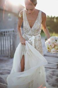 Sensacional vestido bordado con piedras. Vía Pinterest.