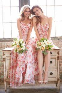 Damas de honor con un look muy colorido. Vía Pinterest.