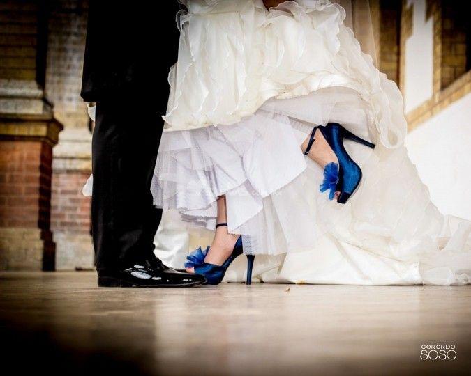 vestido de novia zapatos azules
