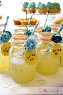 Fresca limonada para los asistentes. Vía Pinterest.