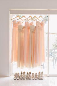 Vestidos de damas de honor en rosa pastel. Vía Pinterest.