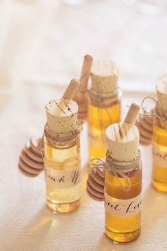 Botellitas de miel casera. Vía Pinterest.